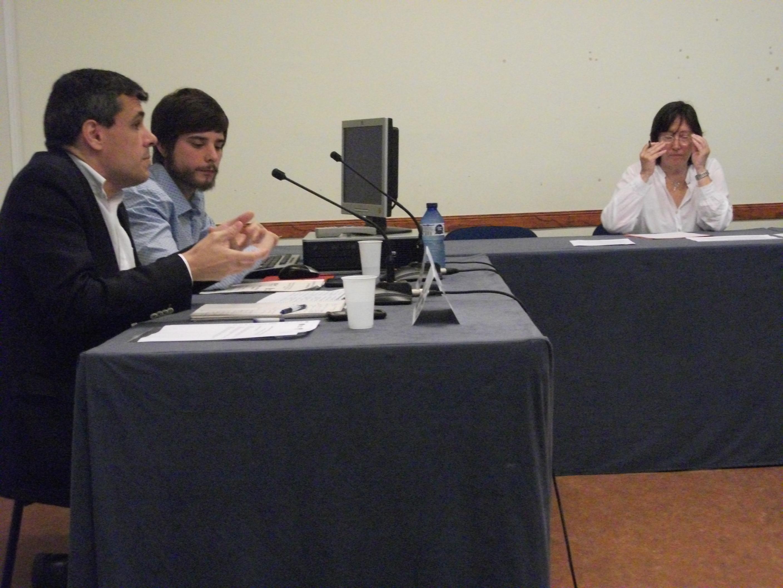 Presentació d'algunes de les conclusions preliminars de l'estudi-diagnòstic Els reptes comunicatius de la cooperació local a càrrec d'Albert Torras, cap de l'Oficina de Cooperació al Desenvolupament de la Diputació de Barcelona, i Maties Lorente, investigador de la FCONG. Font: FCONG.