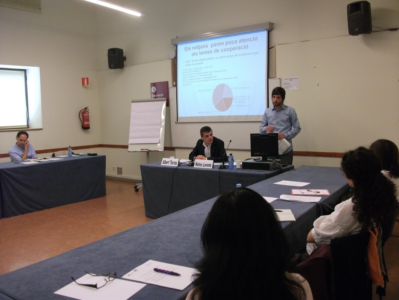 Fotografia de la sessió Els reptes comunicatius de la cooperació local el 3 de juny de 2013 al Pati Manning a Barcelona. Font: FCONG.